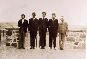 English boys at Rectory School. Gerald and Michael on right.