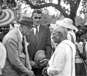 Buchman with Rajagopalachari, Rajmohan Gandhi's grandfather